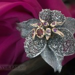Фиксатор-лилия на платок