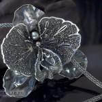 Кулон «Черная орхидея»