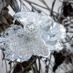 Брошь «Снежный мак»